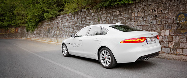 jaguar-xf-rear1