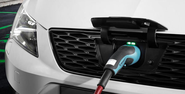 seat-leon-verde-charge