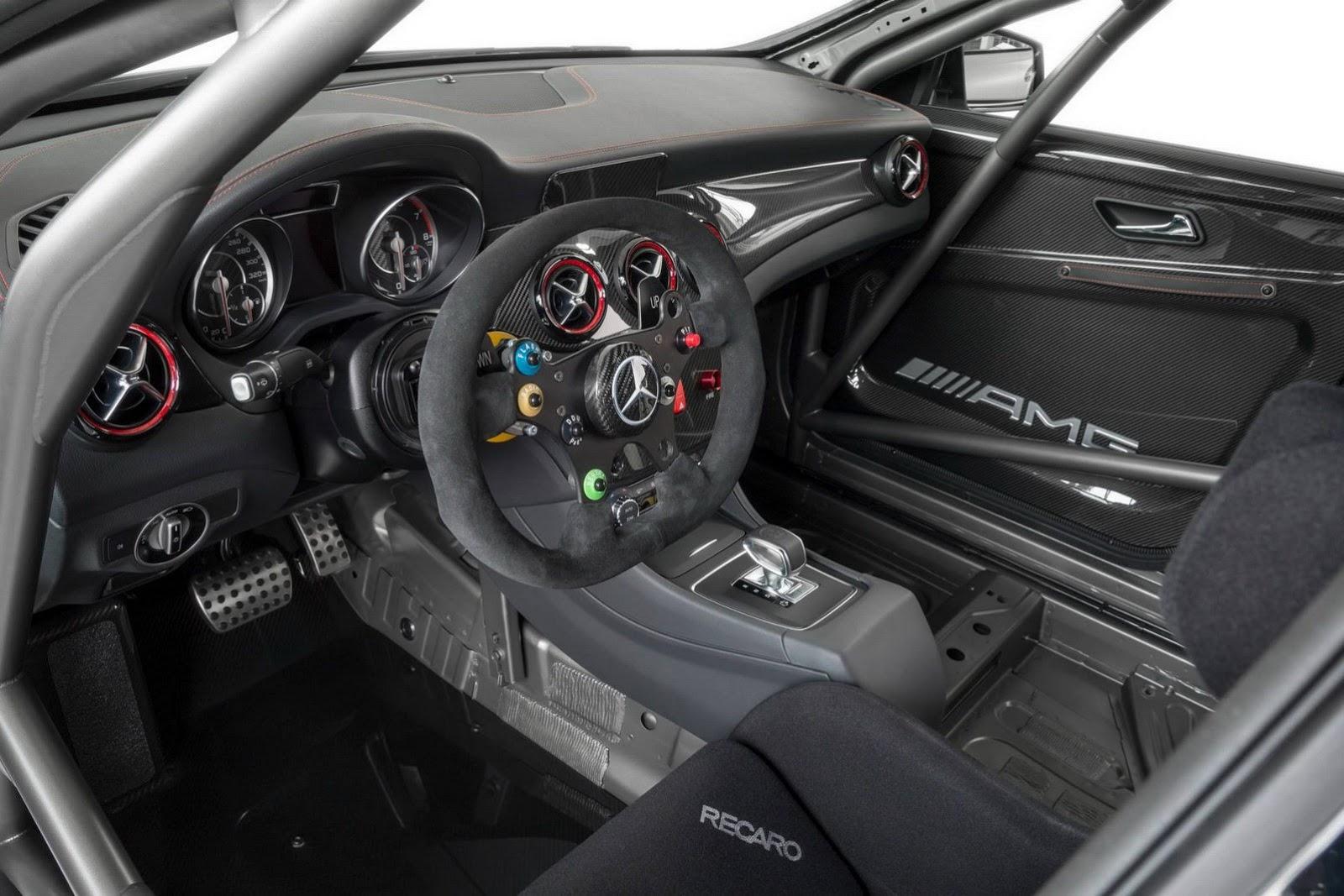 Mercedes-CLA-45-AMG-Racer-7[2]