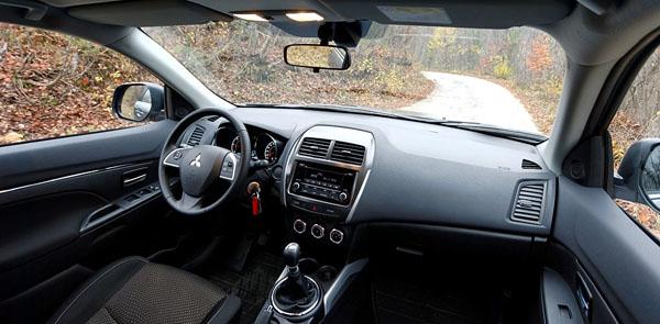 mitsubishi-asx-rear-top-interior