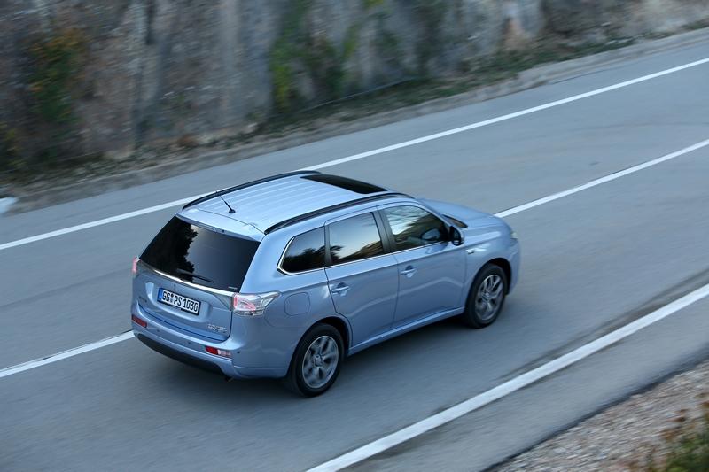 Mitsubishi Outlander PHEV (8)