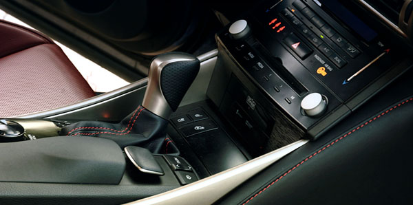 lexus-is300-interior-gears