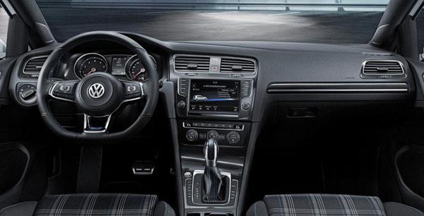 volkswagen-golf-gte-interior