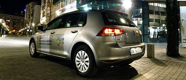 volkswagen-golf-rear
