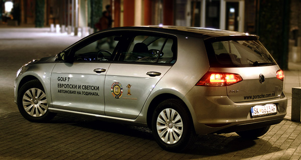 volkswagen-golf-rear2