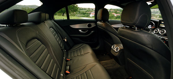 mercedes-benz-c-class-side-interior3