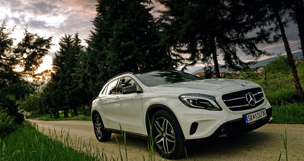 mercedes-benz-gla-front-side