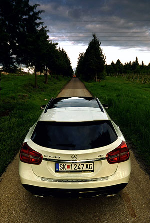 mercedes-benz-gla-rear-road