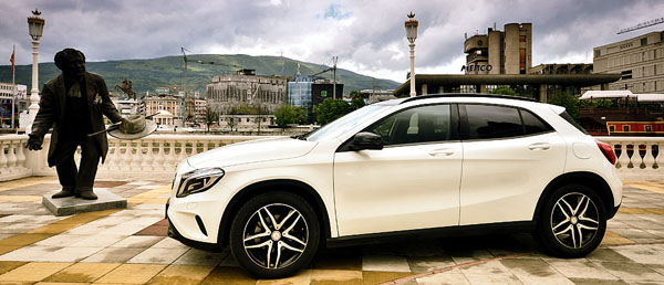 mercedes-benz-gla-side