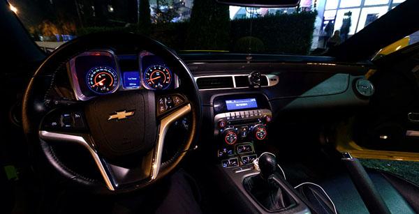 chevrolet-camaro-carclub-interior