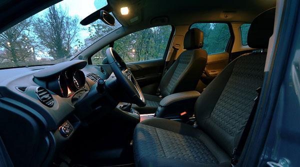 opel-meriva-interior