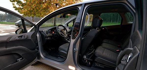 opel-meriva-interior3