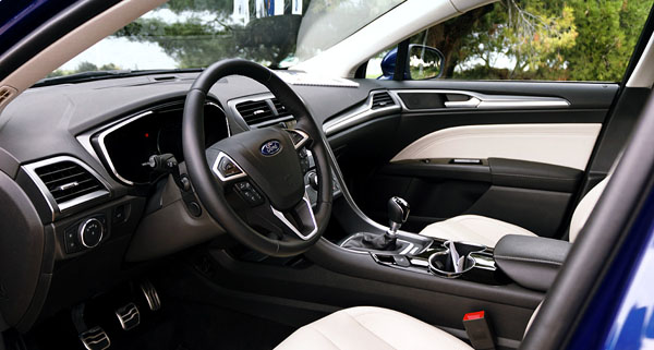 ford-mondeo-interior