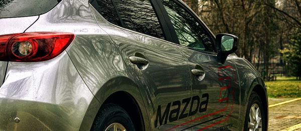 mazda-3-siderear-crop-malikovski-carclub