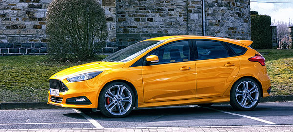 ford-focus-st-yellow