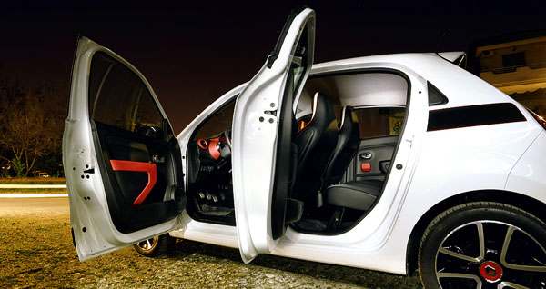 renault-twingo-side-doors