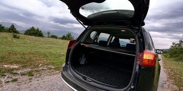 toyota-rav4-carclub-interior1-boot