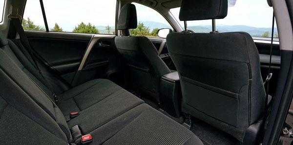 toyota-rav4-carclub-interior1-rear