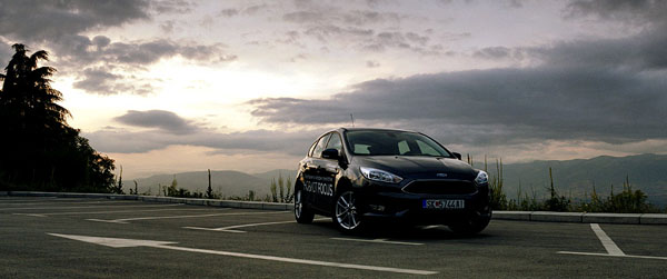 ford-focus-carclub-frontwide