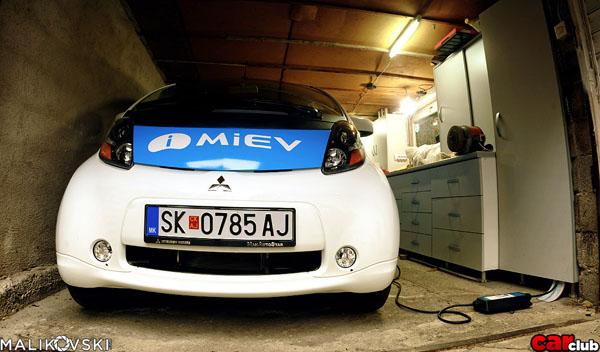 mitsubishi-i-miev-carclub-charging