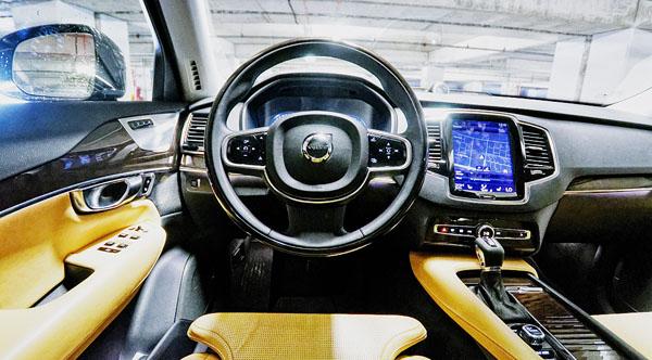 volvo-xc90-carclub-interior2