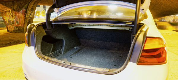 bmw-3series-trunk