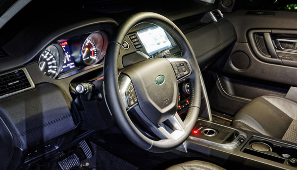 land-rover-discovery-sport-interior2
