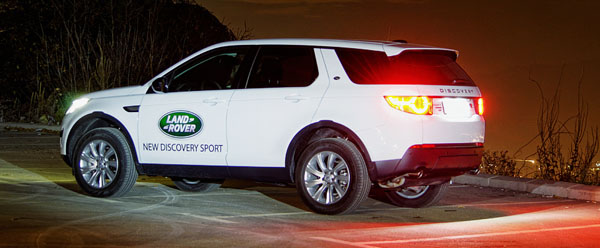 land-rover-discovery-sport-siderear