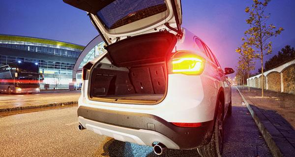 bmw-x1-carclub-interior-bagaznik