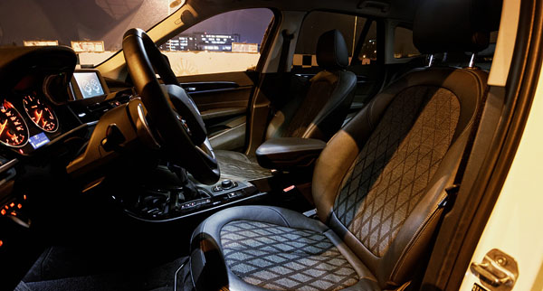 bmw-x1-carclub-interior1