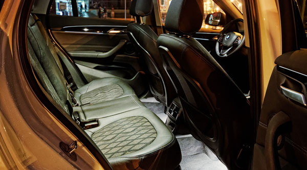 bmw-x1-carclub-interior2