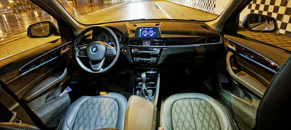 bmw-x1-carclub-interior4