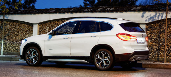 bmw-x1-carclub-rear2