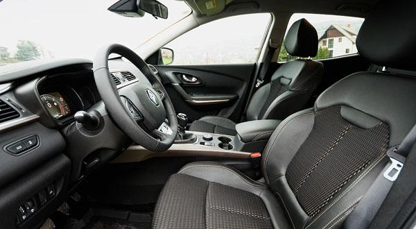 renault-kadjar-carclub-frontseats