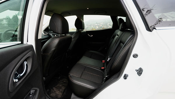 renault-kadjar-carclub-rearseats