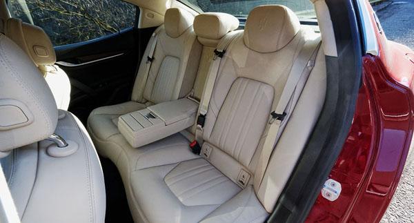 maserati-ghibli-carclub-rearseats