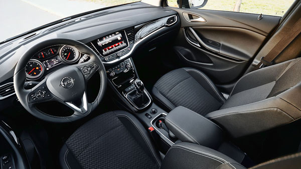 opel-astra-carclub-interior-front