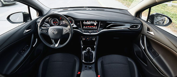 opel-astra-carclub-interior-front2