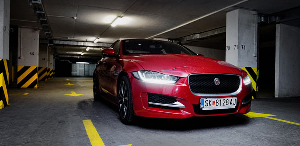 jaguar-xe-carclub-frontside-low