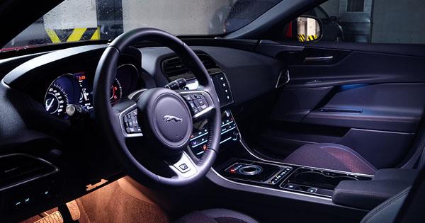 jaguar-xe-carclub-interior2