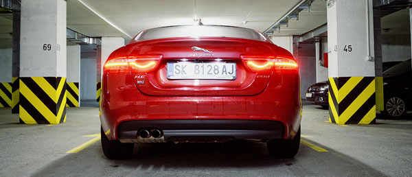 jaguar-xe-carclub-rear-low