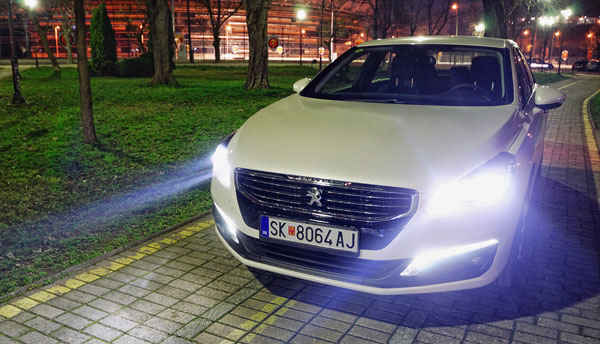 peugeot-508-carclub-front-lights