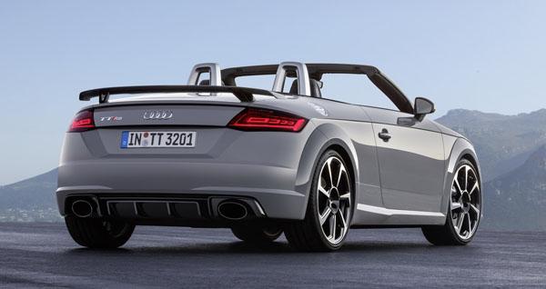 audi-tt-rs-roadster-rear