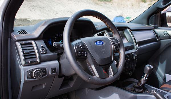 ford-ranger-carclub-interior3