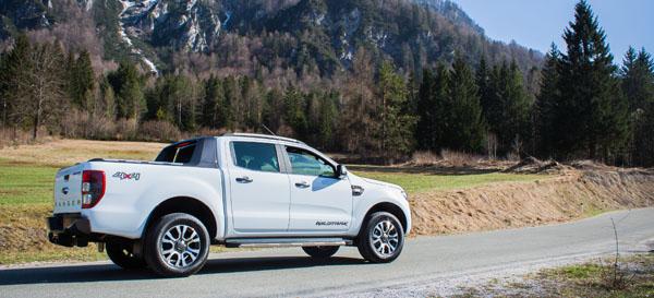 ford-ranger-carclub-mountains
