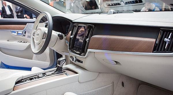volvo-s80-reveal-interior1