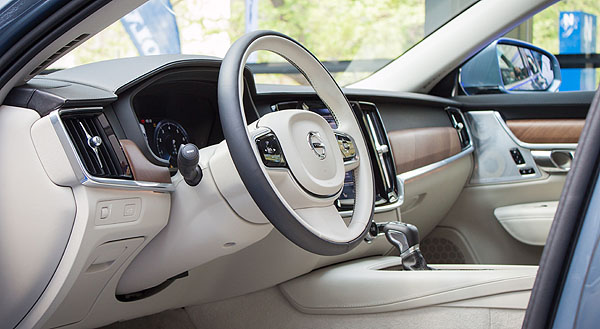 volvo-s80-reveal-interior2
