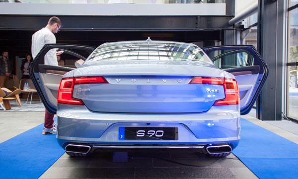 volvo-s80-reveal-rear2