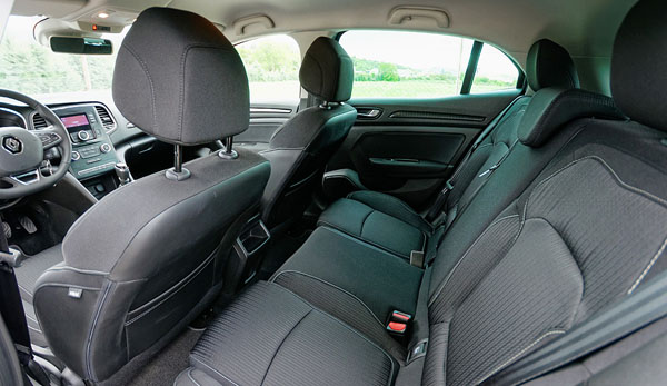 renault-megane-interior-rear