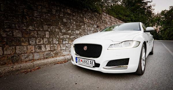 jaguar-xf-front